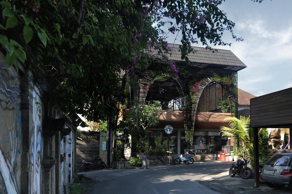 """The Mexican restaurant """"La Pacha Mama"""" in Bali by architect Alexis Dornier"""
