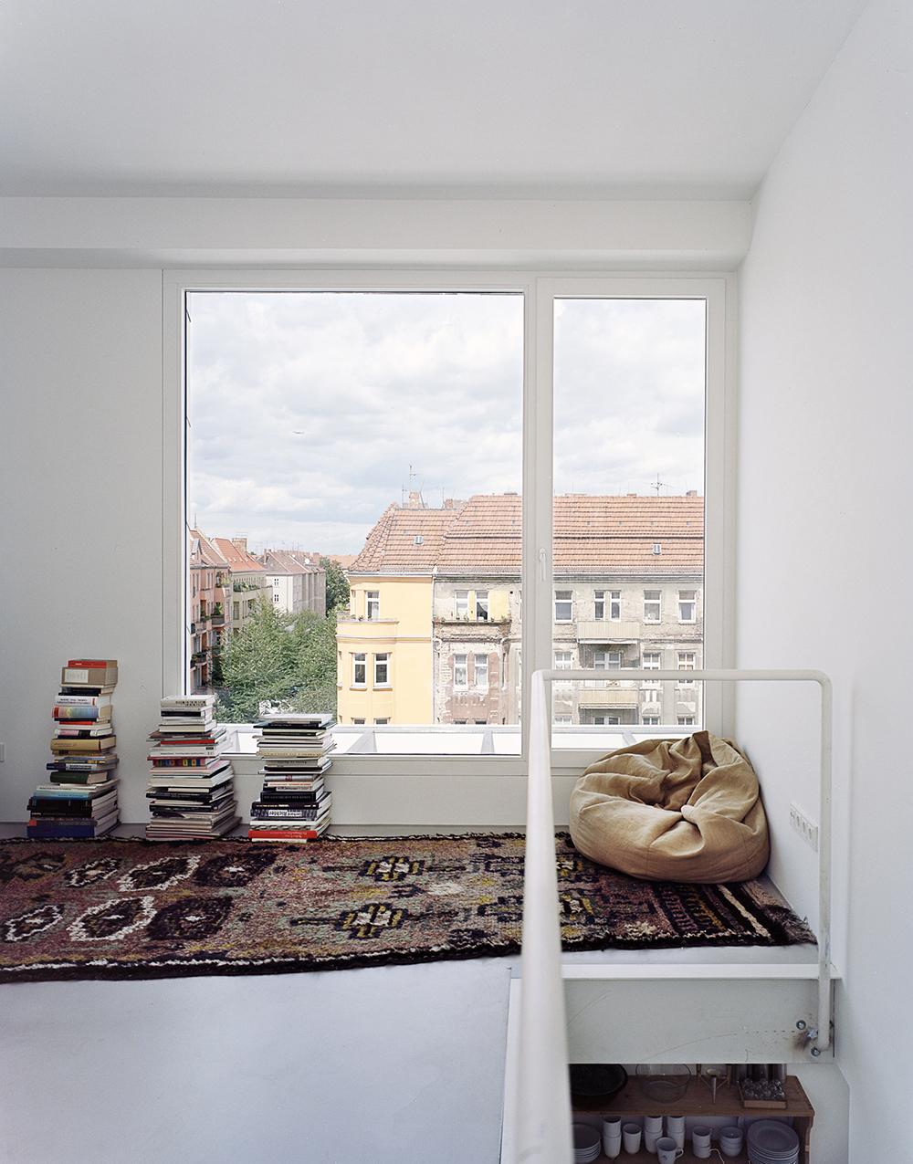 Co-Housing Zelterstrasse 5 by zanderroth architekten