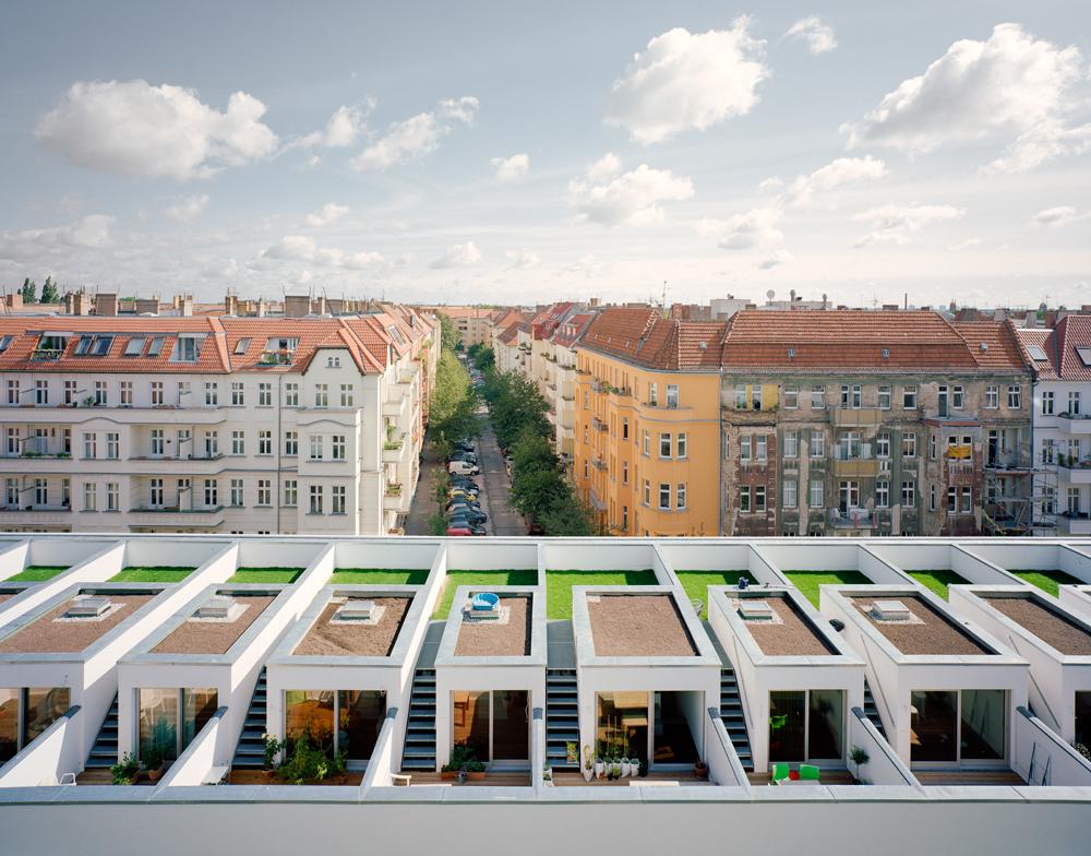 Urban bigyard co housing development by zanderroth for Housing construction companies