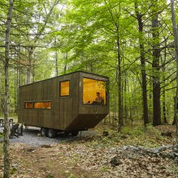 This tiny house in the woods can be rented via Getaway.