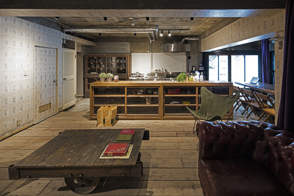 The kitchen and lounge are of Roam Tokyo