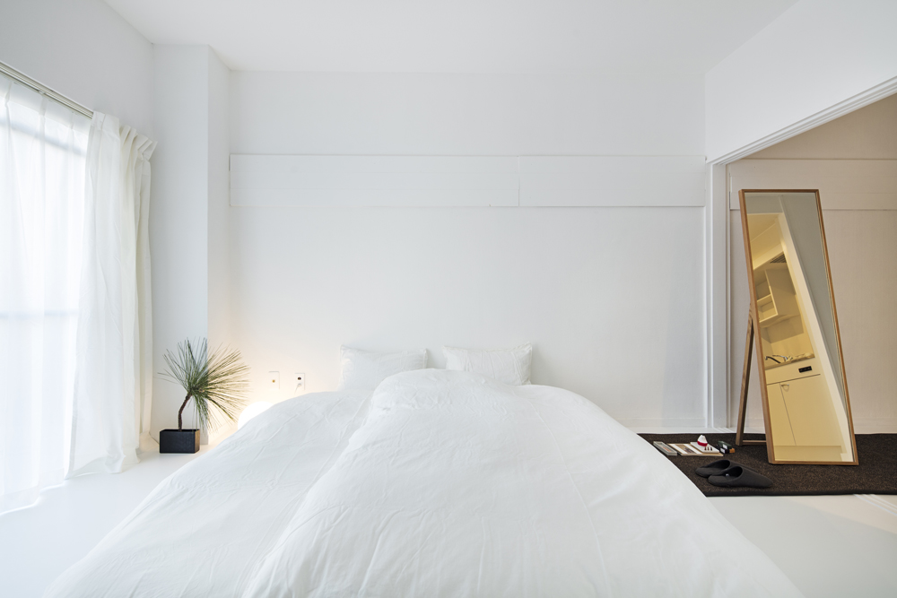 A room in Roam Tokyo – pure and simple.