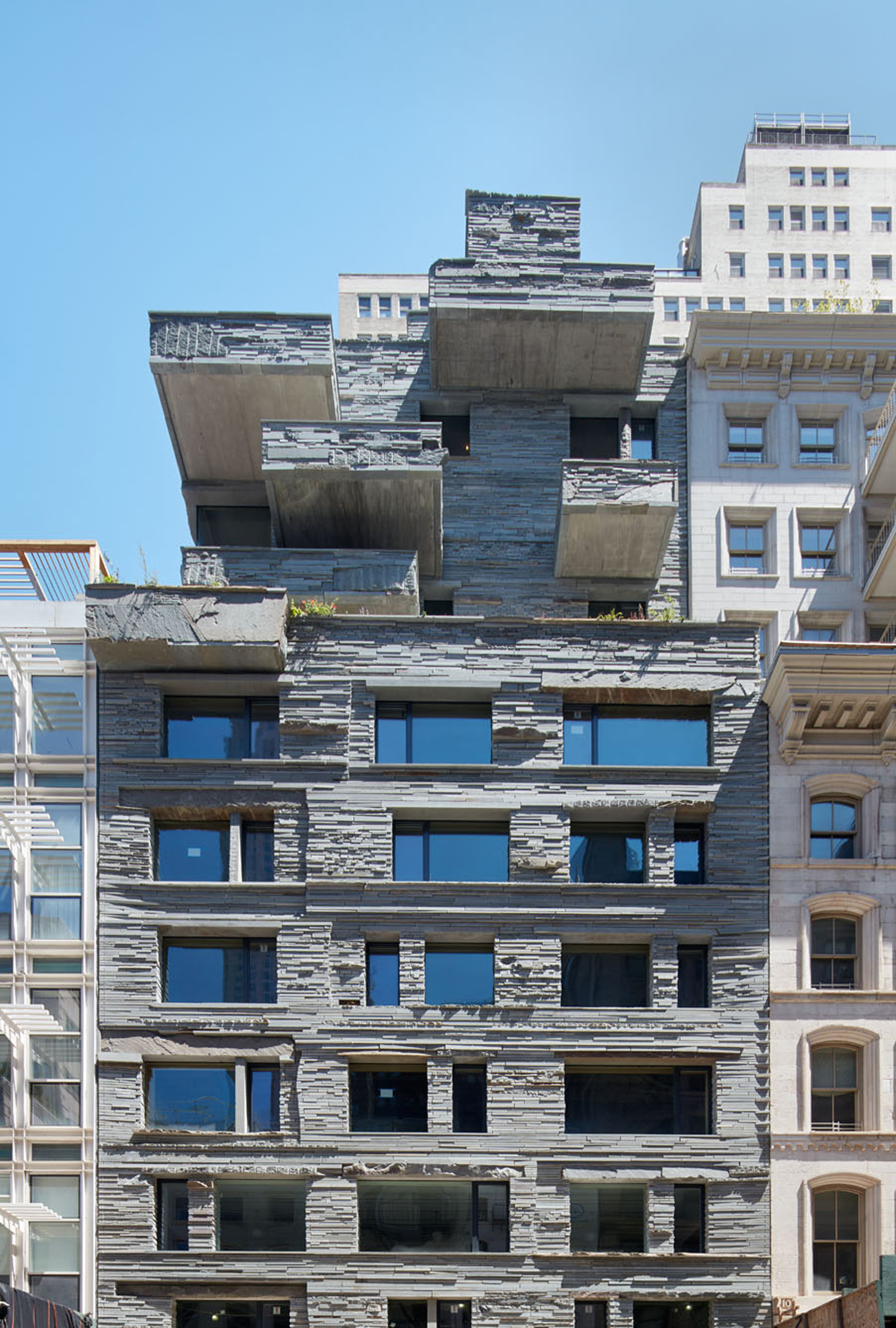 Expressive Stone Façade: Luxury Apartments in Manhattan by DDG